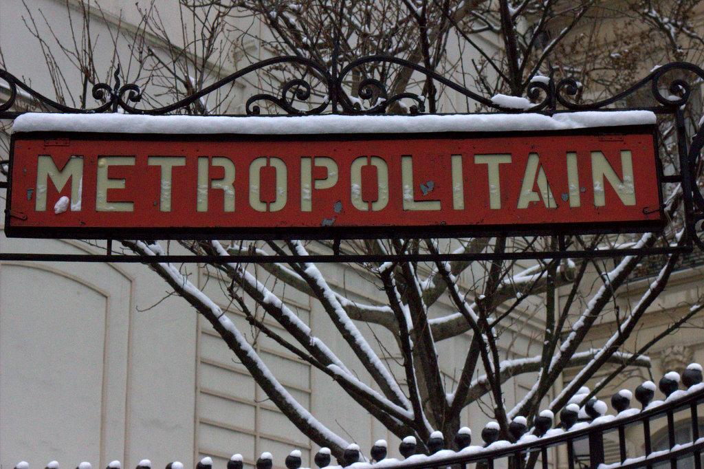 Snow? In Paris? A Photo Series