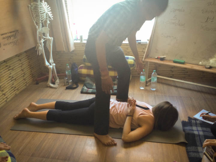 India_Yoga_School_massage