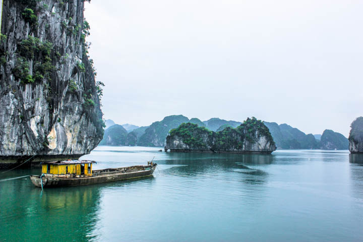Halong_Bay_Party_Boat_1