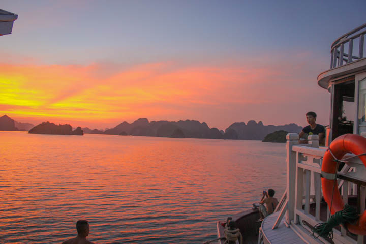 Halong_Bay_Party_Boat_Sunset